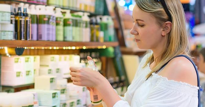 No te dejes engañar por los anuncios de productos antiedad! Mira los ingredientes.