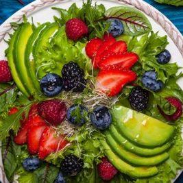 Sírvete un sabroso plato de ingredientes Antiedad