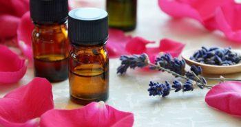 ¿Por qué Deberías Incluir Aceites Esenciales en tu Rutina de Belleza?
