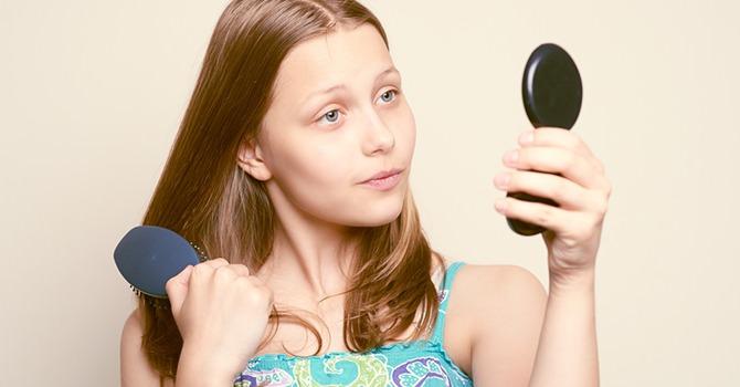 ¿Deberían preocuparse los adolescentes por el envejecimiento de la piel?